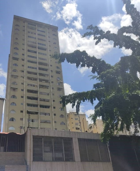 Apartamento 83m2 En Caracas!!excelente Ubicacion 04144122129