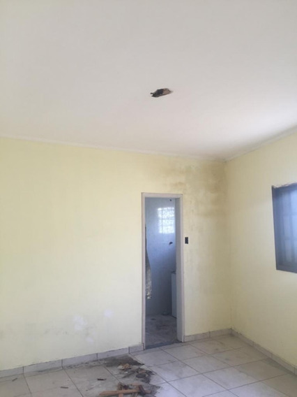 Casa Semi-isolada- R$ 80.000,00 Entrada
