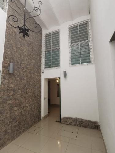 Alquiler Local Punta Carretas 2 Baños Nuevo Duplex