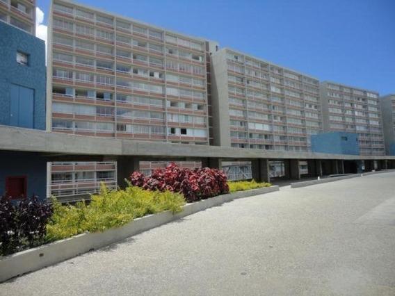 Apartamento En Venta El Encantado Humboldt 2h- 2b- 2p