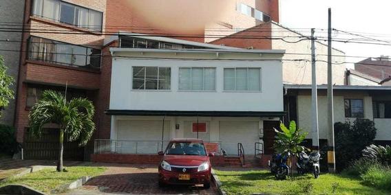 Venta De Edificio Comercial. Medellín, Laureles
