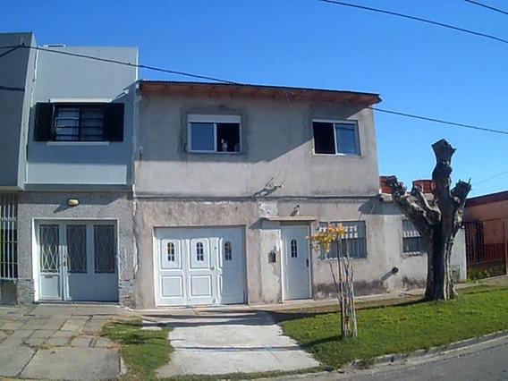 Vendo Casa Los Hornos Apto Banco