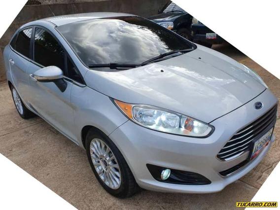 Ford Fiesta Titanium - Automática