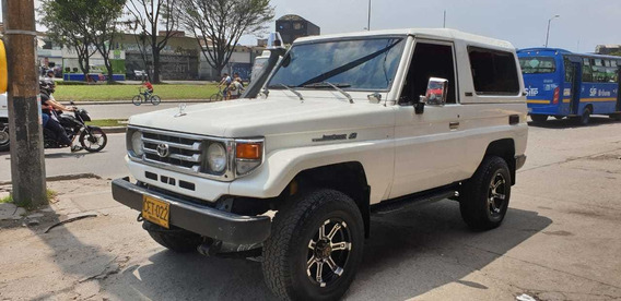 Toyota Land Cruiser Fj 73 Color Blanco