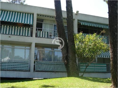 Apartamento En Mansa, 1 Dormitorios *- Ref: 4641