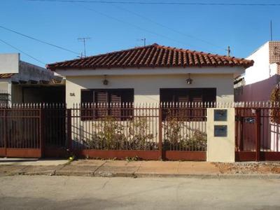 Casa De Fundos Na Qe 04, 02 Quartos, 01 Suíte, Guará I, Guará. - Ca2011