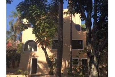 Casa Sola Con Uso Comercial, Buena Ubicacion, Venta En La Pradera, Cuernavaca, Morelos, Clave: 713sc
