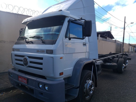 Vw 24.220 6x2 2006 Chassi
