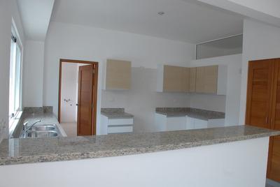 Naco. Apartamento 3 Habitaciones, Sin Muebles.