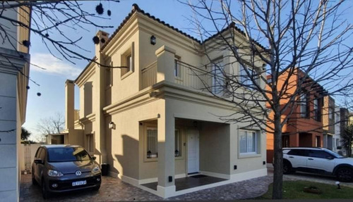 Hermosa Casa En Venta, Barrio Habitat Residencias, Pilar / Bayugar Propiedades