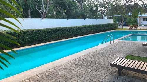 Se Vende Casa Con Amplio Jardin En Residencial Bambu Playa Del Carmen P3133