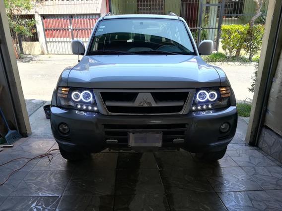 Mitsubishi Montero Cachetona