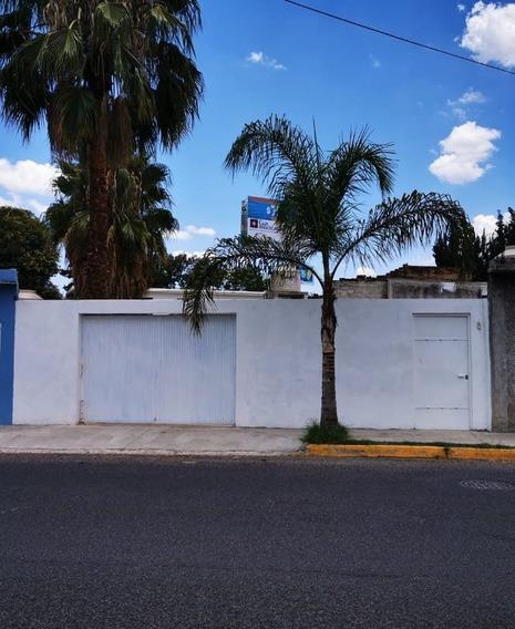 Oficina Amplia De 180 M2 Sobre Prol. Zaragoza, Corregidora