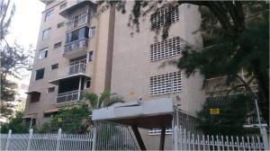 20-13451 Bello Apartamento En Colinas De Los Caobos