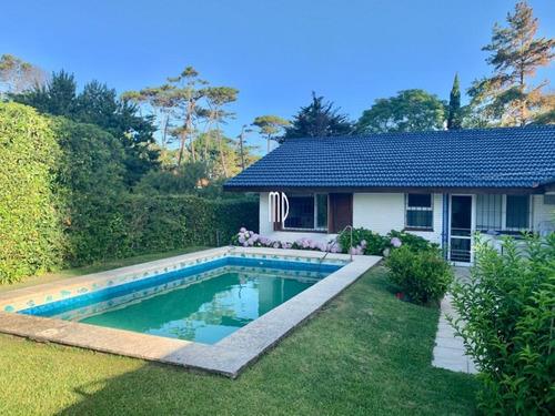 Linda Casa En La Mansa Con Piscina Y Parrillero- Ref: 6499