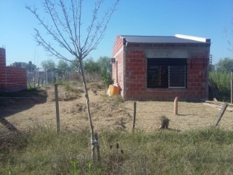 Terreno Con Casa A Terminar En Cañuelas