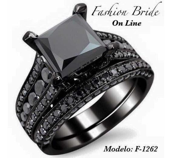 Anillo De Compromiso Y Argolla De Matrimonio En Color Negro