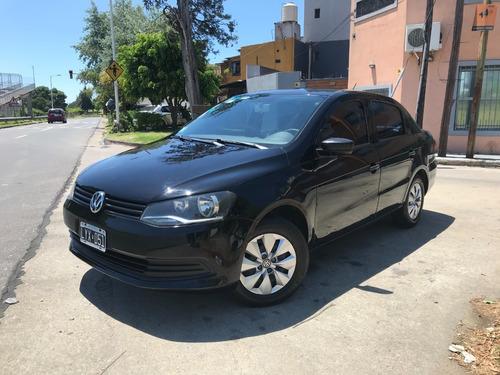 Volkswagen Voyage Confortline 1.6 4p Año 2012
