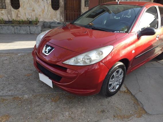 Peugeot 207 1.4 Sedan Xr 2011
