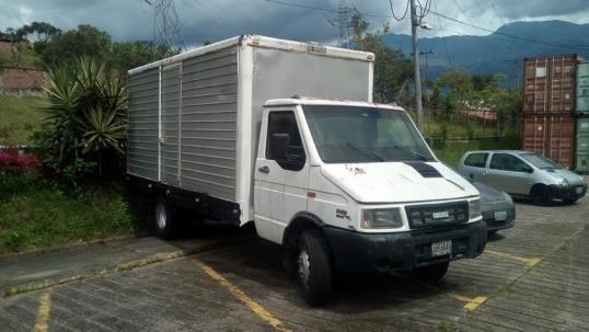 Camion Iveco 60.12 Cava Año 2005