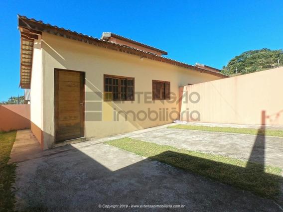 Casa Com 02 Dormitórios E 52m² - 75
