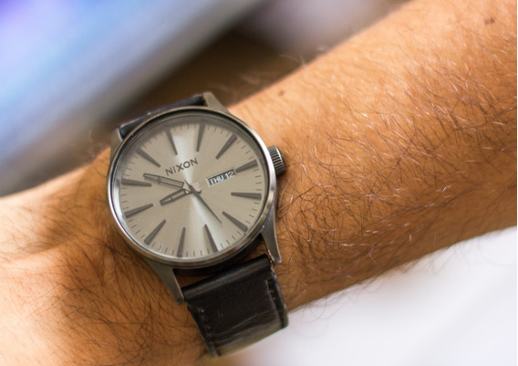 Relógio Nixon Sentry Leather Sem Caixa Watche Bom Estado
