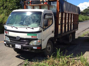 Camión Hino Dutro