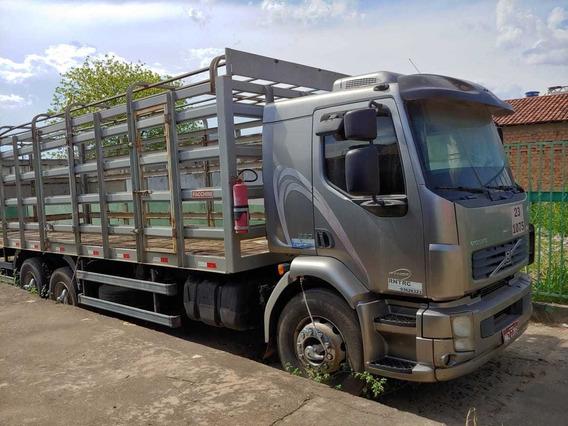 Caminhão Volvo Vm 260 Athor 2011