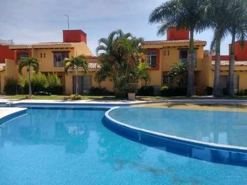 Casa En Condominio En Jiutepec, En Pedregal De Las Fuentes.