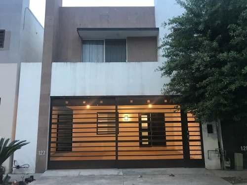 Casa En Venta En Escobedo En Calzadas De Anahuac 3 Niveles
