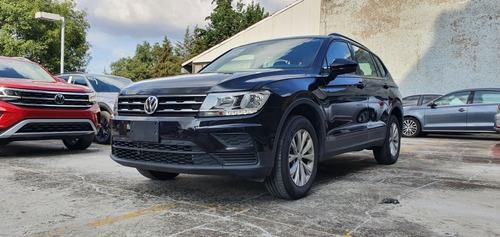 Imagen 1 de 10 de Volkswagen Tiguan 1.4 T Trendline Plus Dsg Negro 2020