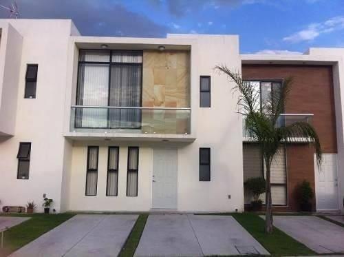 Se Vende Hermosa Casa Con Alberca En Privada, Dentro De El M