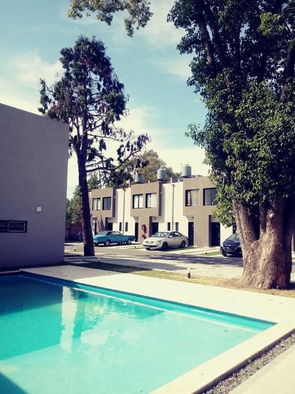 Duplex A Estrenar En Hermoso Complejo De Villa Udaondo