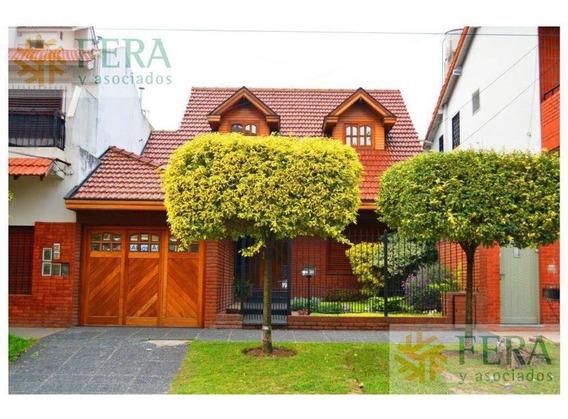 Venta De Casa Con 5 Ambientes En Bernal (25340) - Cochera ,quincho Y Pileta