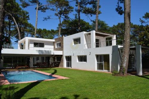 Casa En Punta Del Este, Mansa- Ref: 64007
