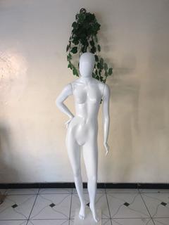 Manequim Feminino Branco Com Pose + Base P/ Loja