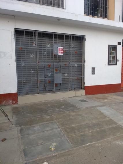 Alquiló Local Costado De Esquina Comercial