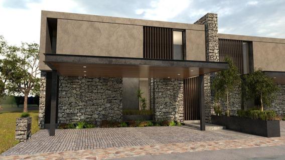 Casa En Venta En Altozano, Queretaro, Rah-mx-21-175