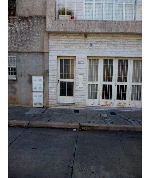 Departamento De Pasillo - Pje Echague Y Cordoba