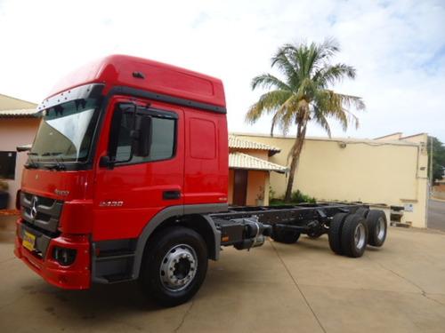 M Benz Atego 2430 Teto Alto 2014 Truck Chassi