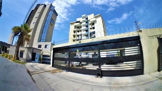 Apartamento En Venta Marina Grande Vargas Sm 20-8900