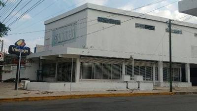 Excelente Local Comercial En Venta En Esquina Avenida Itzaes Merida