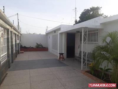 Alquilo Casa La Floresta 18-8252 Zamaika Blanco 04246009600