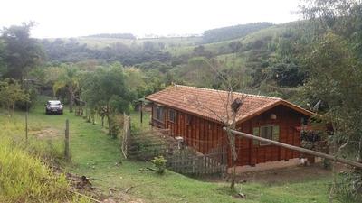Casa De Madeira Avarandada, 1 Quarto, 1 Banheiro, Sala, Coz