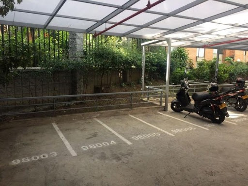 Parqueaderos En Arriendo Manila 473-2950
