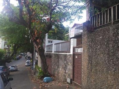 Casa Pra Fins Comerciais 3/4 Sendo 1 Suíte 250m2 No Rio Vermelho - Adr604 - 33699284