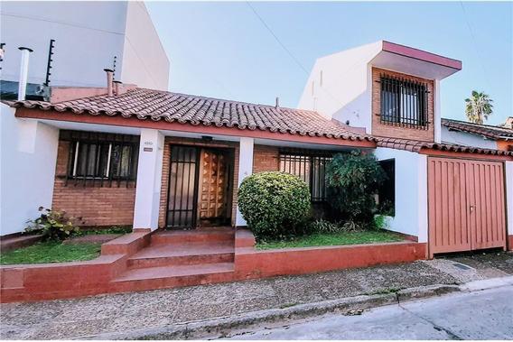 Venta Casa 6 Ambientes Con Parque Y Cochera