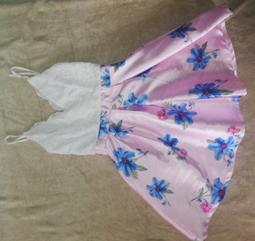 Vestido Corto De Tiras Con Estampado Floral En La Falda