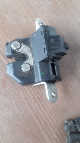 Imagem 1 de 4 de Fechadura Porta Malas Palio Actrative Eletrica