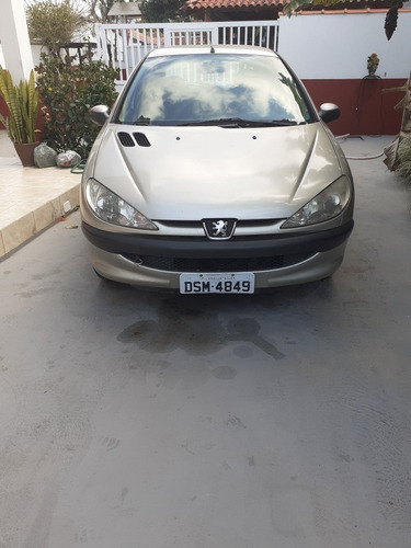 Imagem 1 de 4 de Peugeot 206 2006 1.6 16v Presence Flex 5p